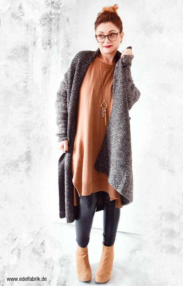 Ü40 Fashionbloggerin, Grauer Zaramantel, Strick