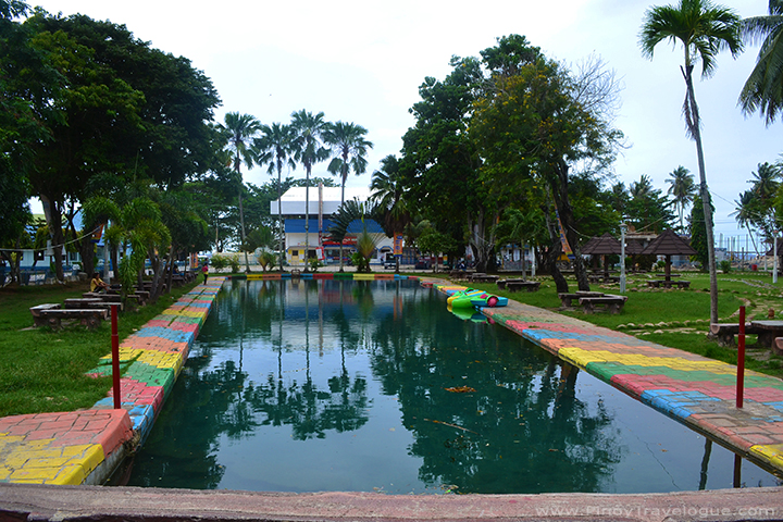 Capilay Spring Park's swimming pool