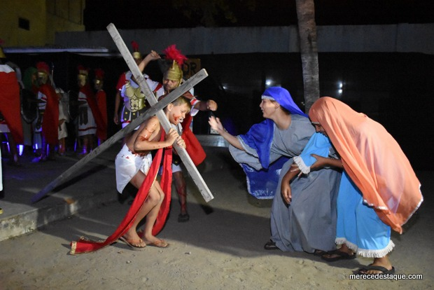 """Espetáculo """" O Nazareno"""" emociona público na estreia em Santa Cruz"""