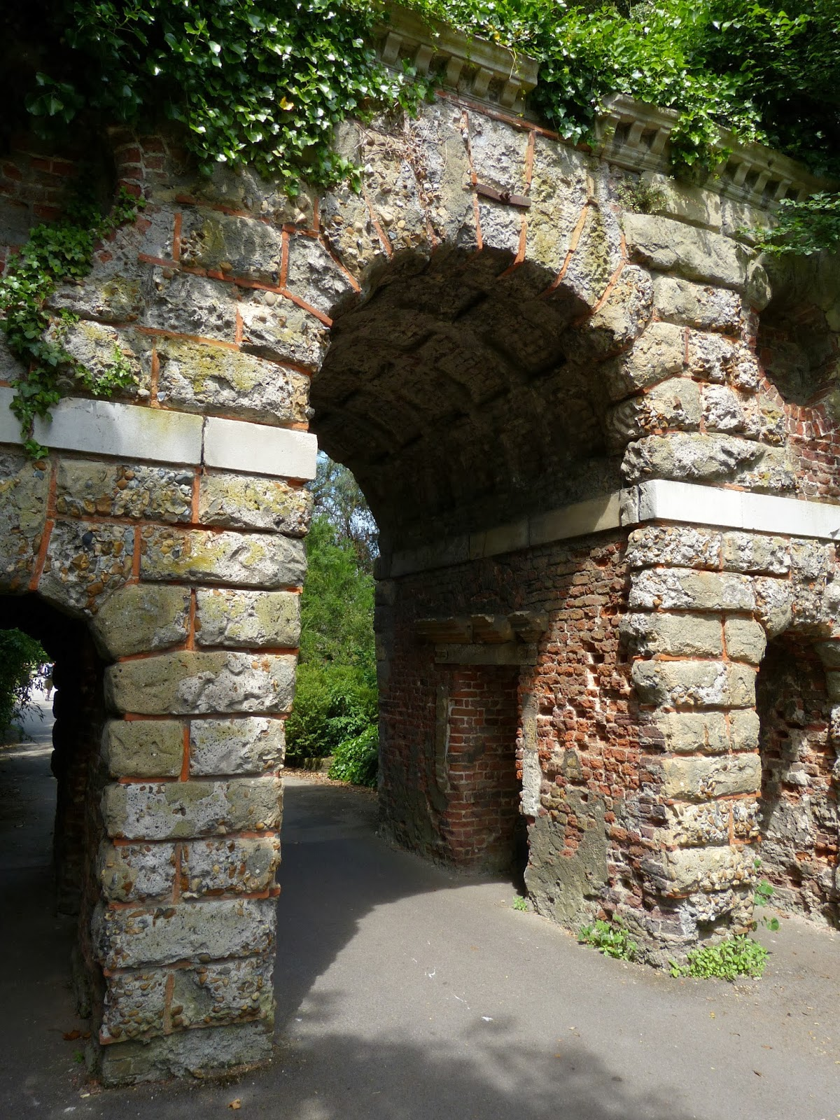 The Ruined Arch, Kew