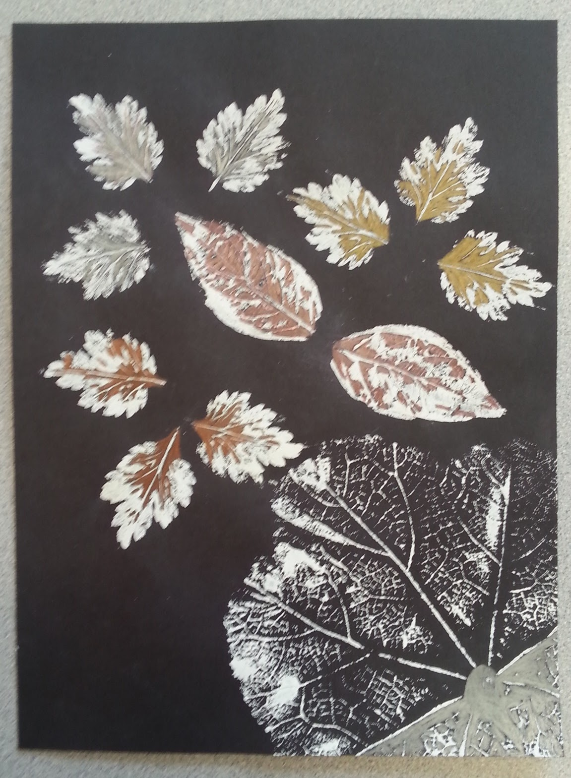 a faithful attempt: Leaf Prints with Sponged Backgrounds