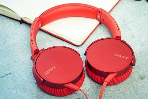 Fone de ouvido XB550AP da Sony: o fio do dispositivo tem 1,2 metro de comprimento