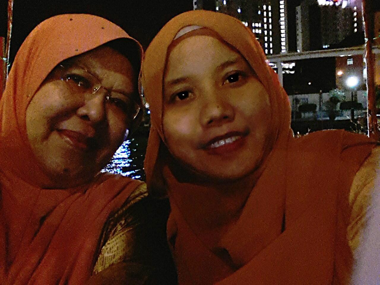 Dato56 Dato Kelenjeridze: Untuk Kita-Kita: Bersama Rakan Sepejabat Semasa Makan