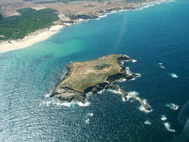 Ilha do Pessegueiro e praia do Pessegueiro