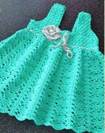 Patrón #1181: Vestido de Bebe a Crochet