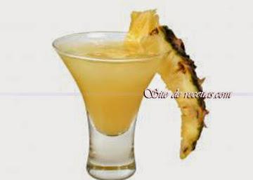 Batida de abacaxi com vodka