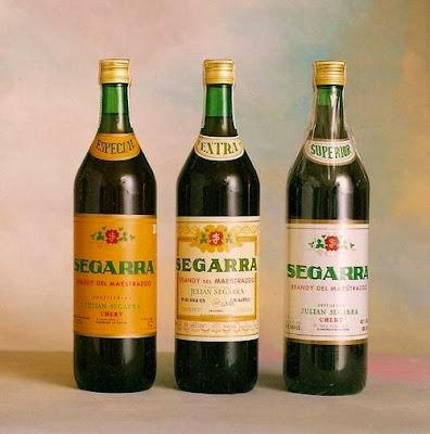 Destilería Segarra en Chert,botellas, botellicas, brandy