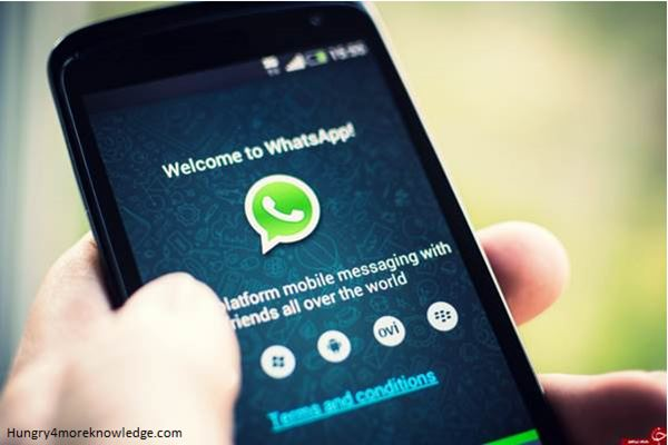 WhatsApp-Using-In-Smartphone