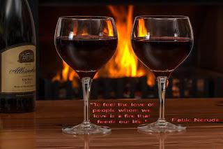 """Пабло Неруда,""""Да почувстваме любовта на хората, които обичаме, е огън, който захранва живота ни."""""""