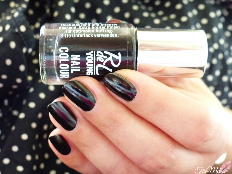 nails rdel young nail colour 22 mystic black tiamel. Black Bedroom Furniture Sets. Home Design Ideas