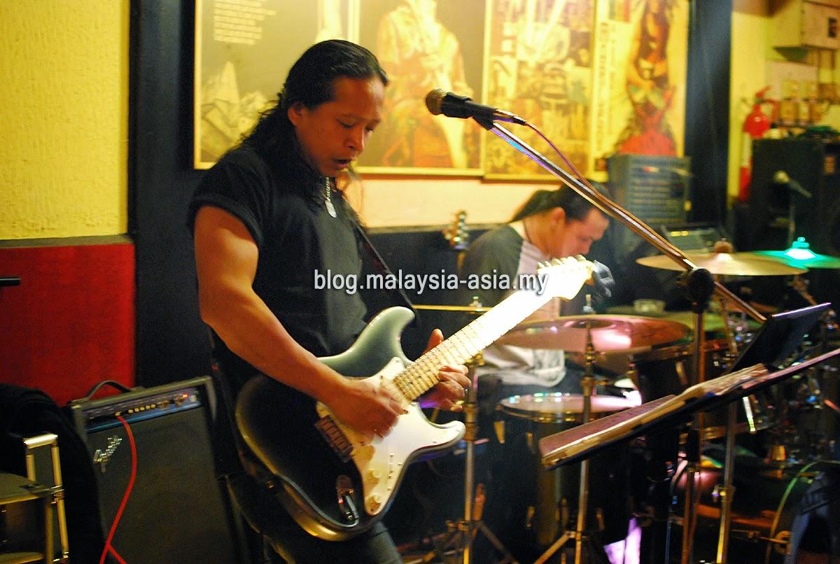 Sharin Band Online Bar