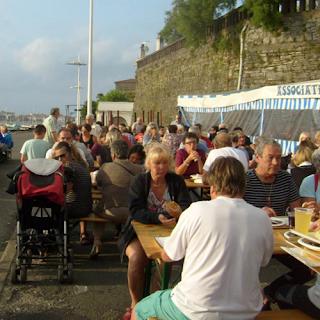 Sardinade sur le Port de Kaneta. Source : hendaye-jac2