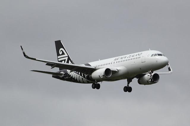 Gambar Pesawat Airbus A320 10