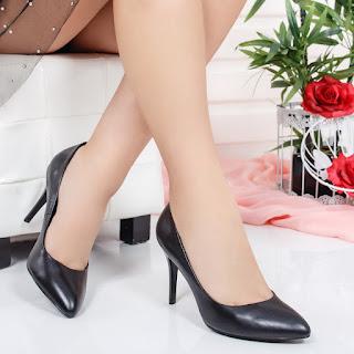 Pantofi Ratka negri cu toc foarte ieftini