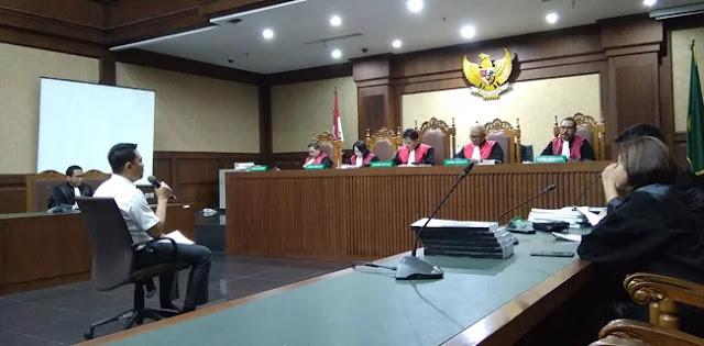 Fayakhun Andriadi Keberatan Dengan Dakwaan 10 Tahun Penjara