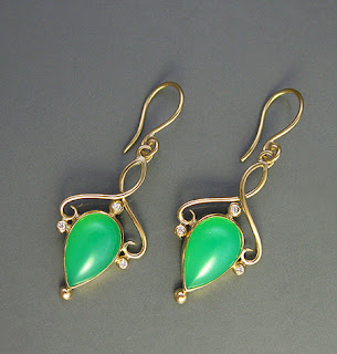 Chrysoprase earrings in 18k gold with diamonds.