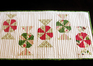 Candy Carousel quilted table runner pattern - detail #3