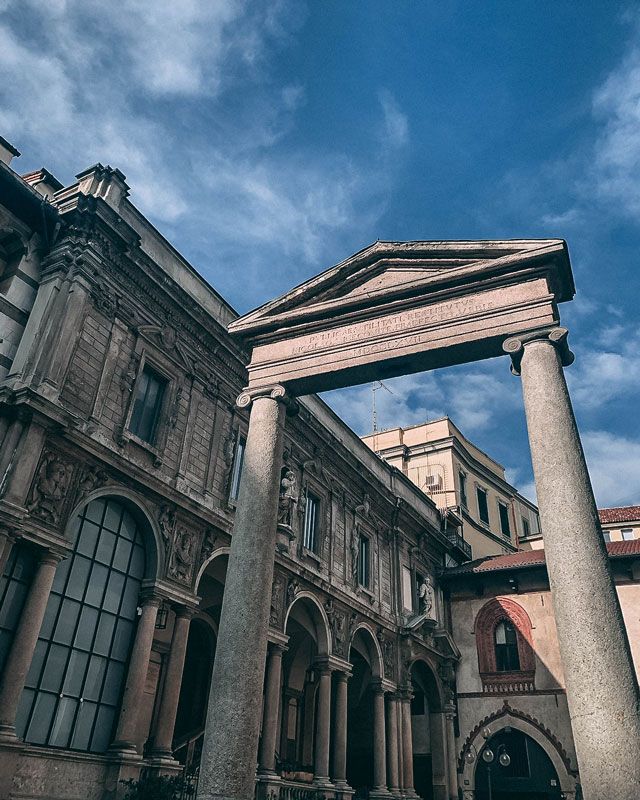 La plaza Mercanti de Milan
