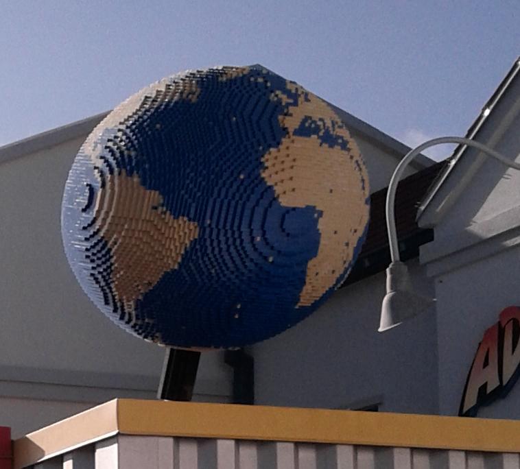 cartonerd building the world