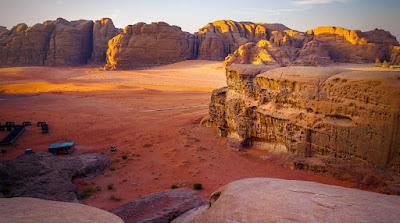 Menikmati Perjalanan Padang Gurun Wadi Rum Jordania