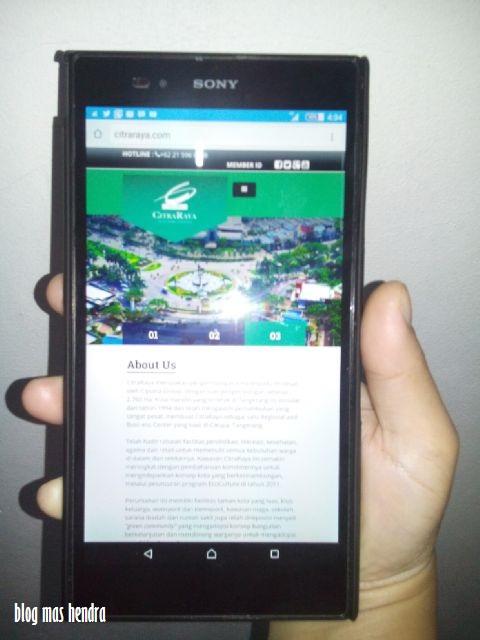 Penampakan Smartphone Dengan Tamplian Website CitraRaya.com