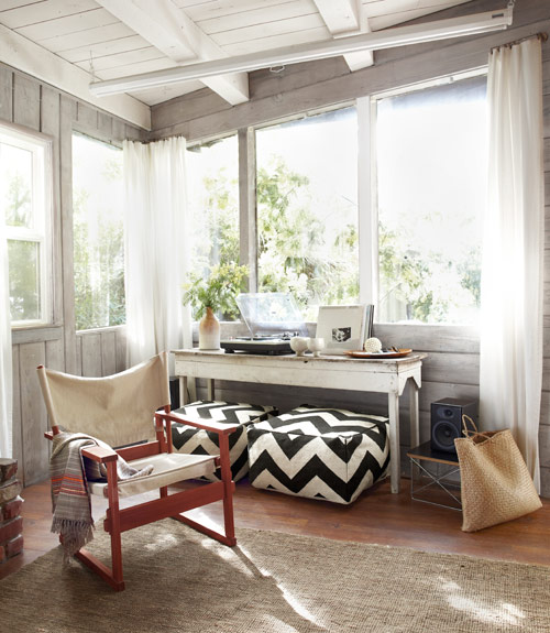 Rustic Sunroom: Thrifty Style Small Cabin Daily Dream Decor