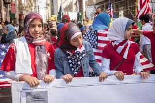 Bias Anti-Muslim Warga AS Atas Migran