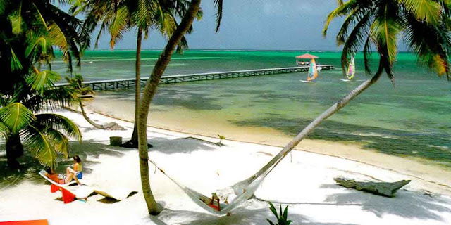 The island of Ambergris Caye