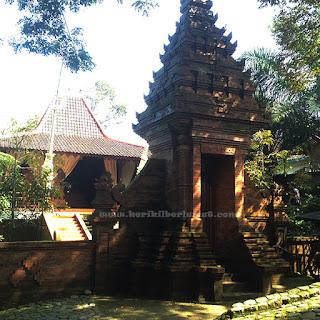 Gerbang Depan Kampoeng Djawi