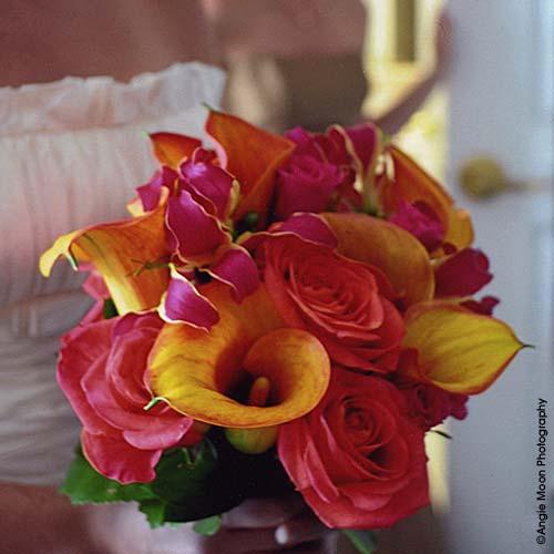 Beach Wedding Flower Arrangements: Wedding Dresses: The Beach Wedding Flower
