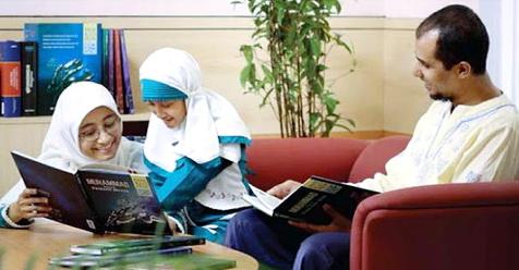 Ibu Memang Madrasah Pertama Bagi Anak, Tapi Jangan Lupa, Ayahlah Kepala Sekolahnya!