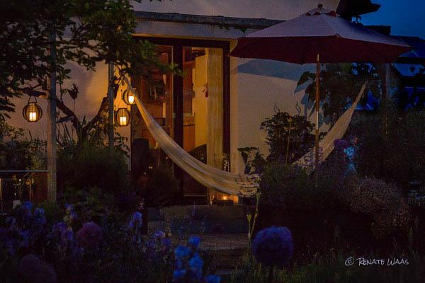 Einen Garten stimmungsvoll ohne Strom beleuchten - dank neuer Solarlampen ist das möglich