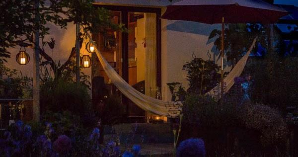 geniesser garten gartenbeleuchtung ohne strom solarlampen. Black Bedroom Furniture Sets. Home Design Ideas