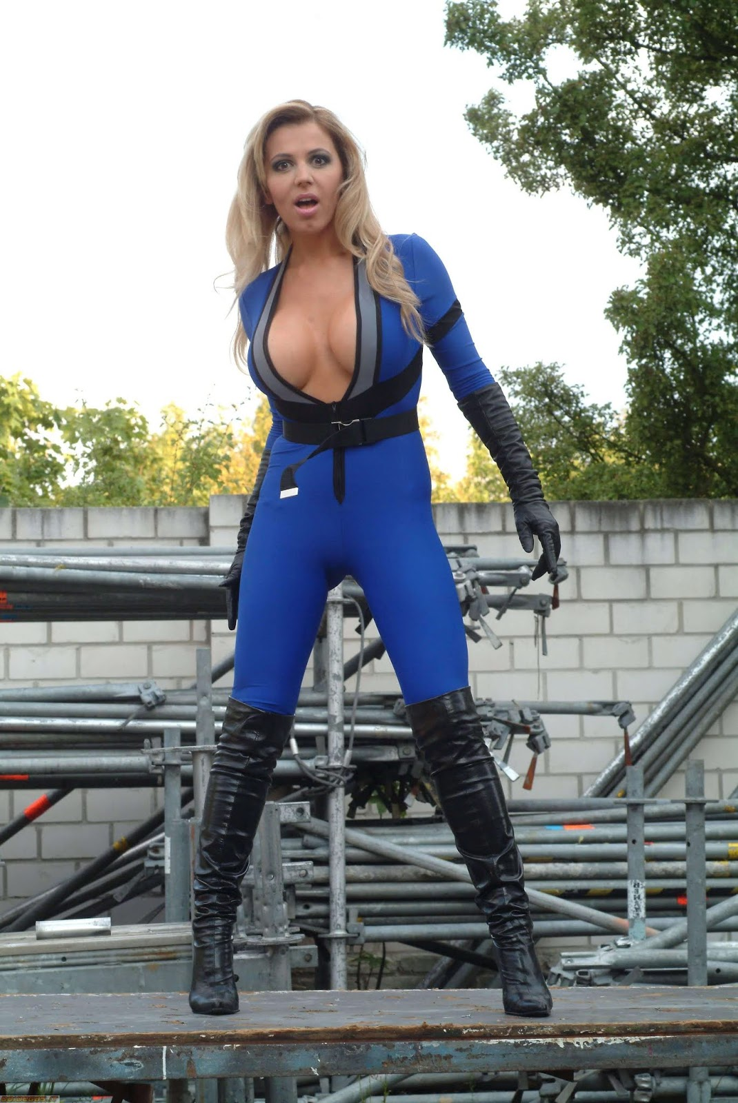 Cosplay, Sue Storm in Fantastic Four by Davorka Tovilo