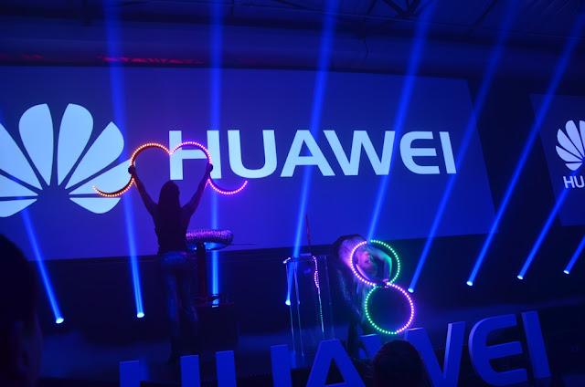 @HuaweiZA #HuaweiMate8 #thelifesway #photoyatra Dancers