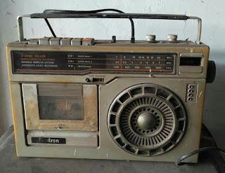 BLOG LAPAK BARANG ANTIK : Jual Radio Jadul 80an