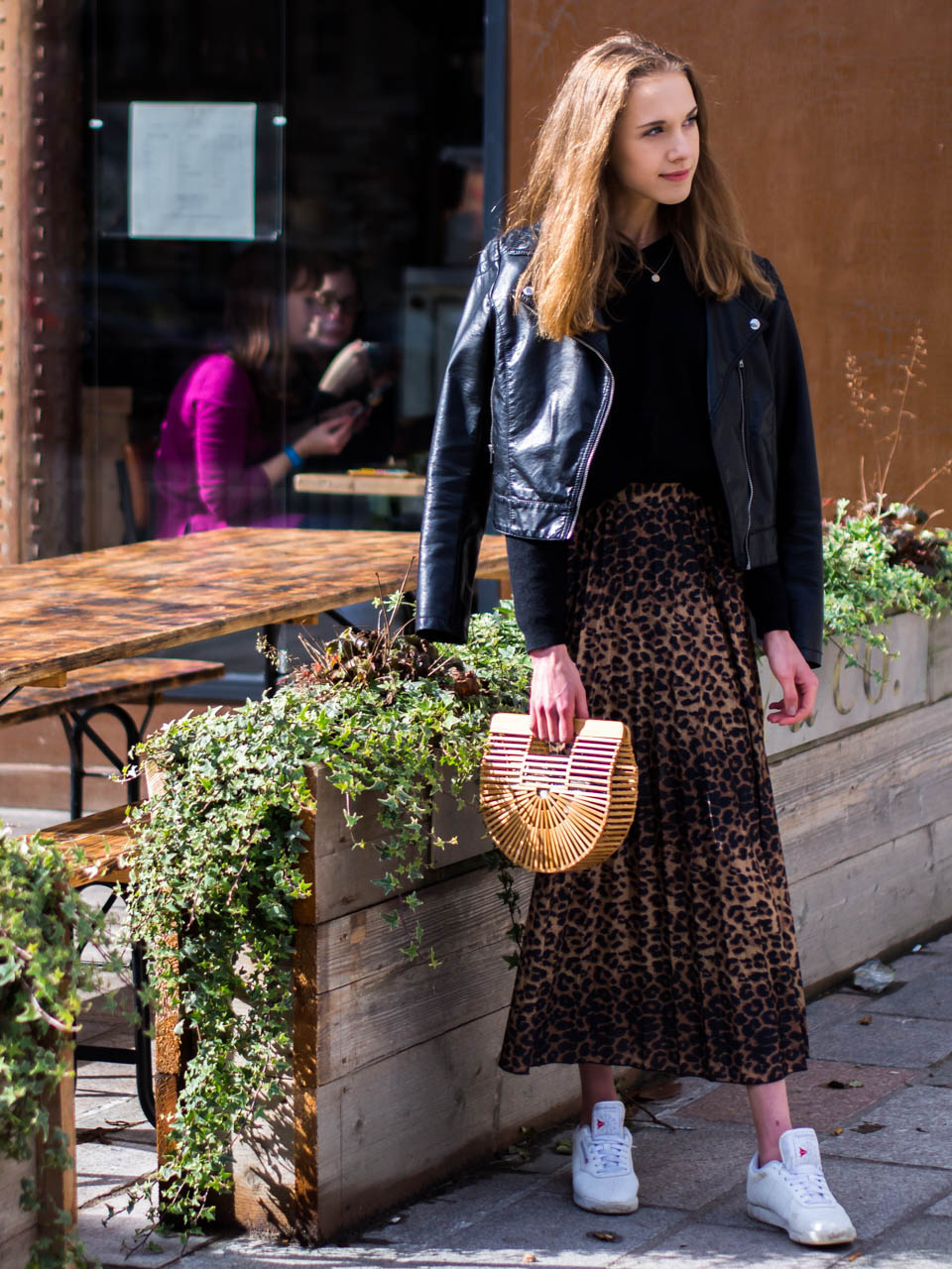 leopard-midi-skirt-oufit-fashion-blogger