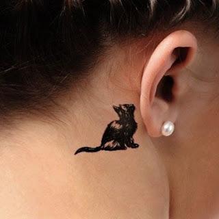 tatuaje oreja gato