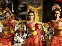Tari Gabor dari Pulau Dewata Bali