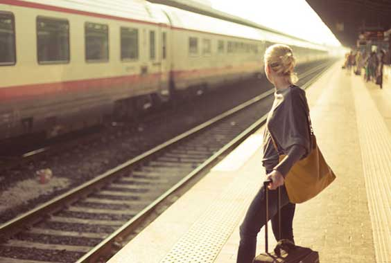 5 Essentials to Bring on Long Train Rides