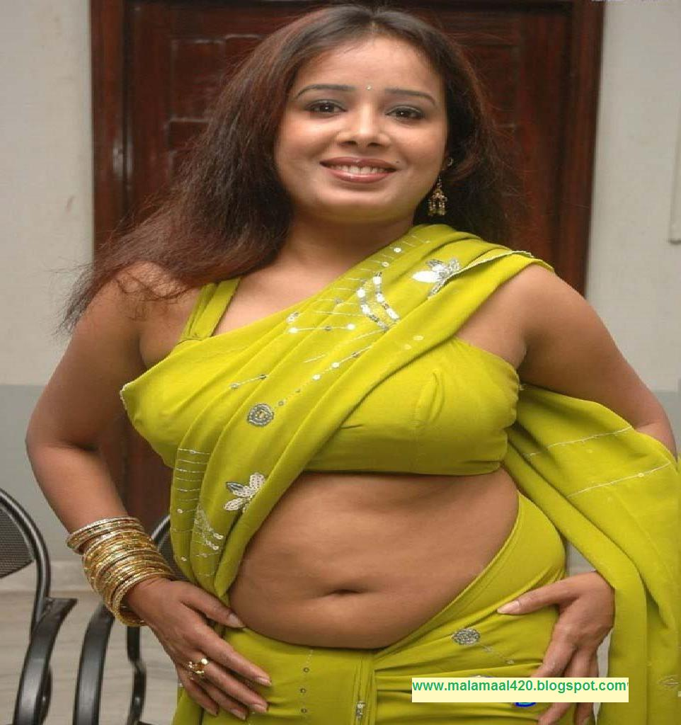 Desi Hot Sexy Girls: Hot Desi Bhabhi