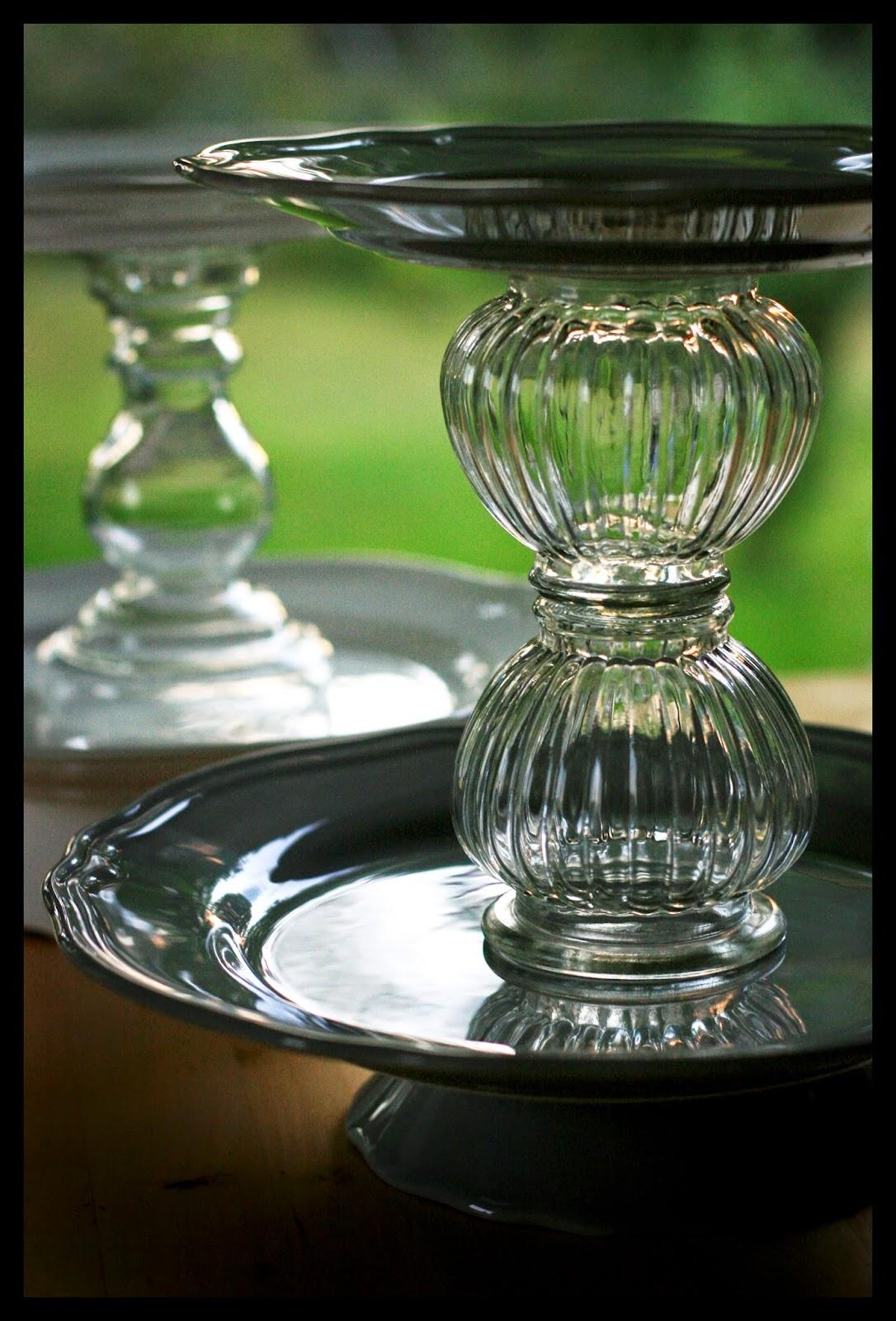 sweet and precious zu kleiner tisch eine hymne an die etag re. Black Bedroom Furniture Sets. Home Design Ideas