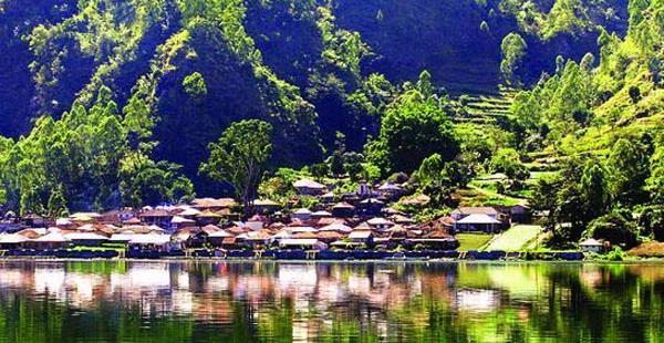 Mengenal Lima Desa Terindah di Indonesia