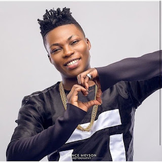 Reekado Banks Apologizes To Loyal Girls For The Wrongs Done To Them