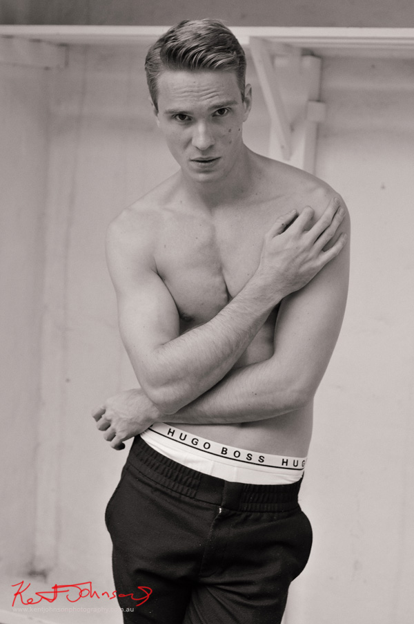 Black and White body shot, arms crossed, male modelling portfolio - Photographed by Kent Johnson, Sydney, Australia.