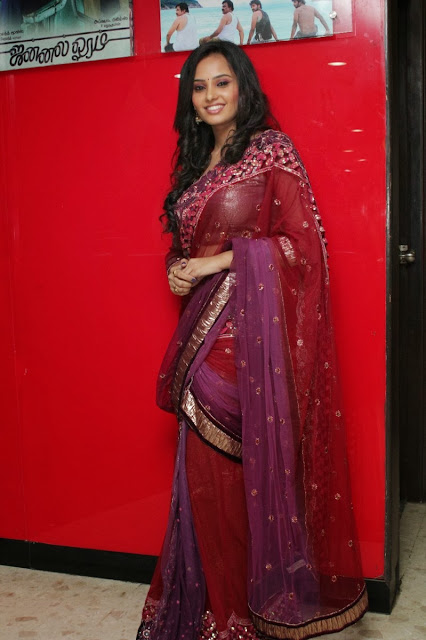 Tamil Actress Aarushi Saree Photos