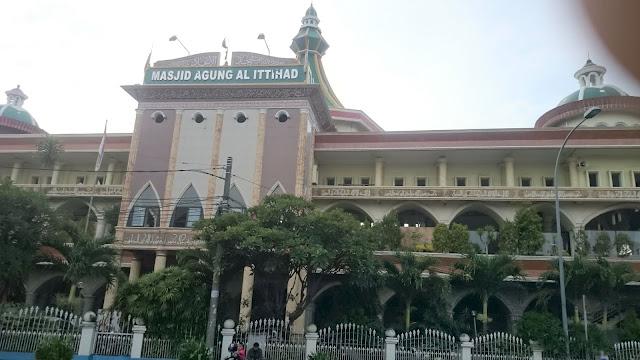 Masjid Agung Al Ittihad, Tangerang - Image: Author