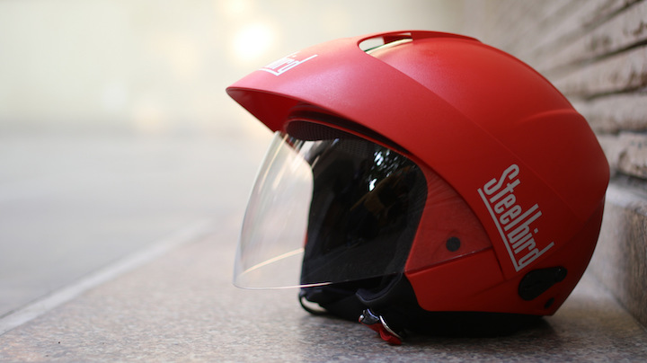 Uber is delivering Red Steelbird SB-35 Cruz Helmet fro free