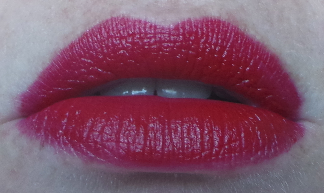 L'Oreal Color Riche lipstick in Blakes Red