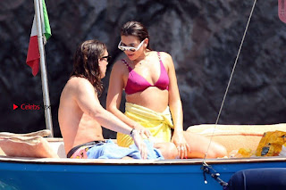 Dua-Lipa-Bikini-On-Holiday-In-Capri--07+%7E+SexyCelebs.in+Exclusive.jpg